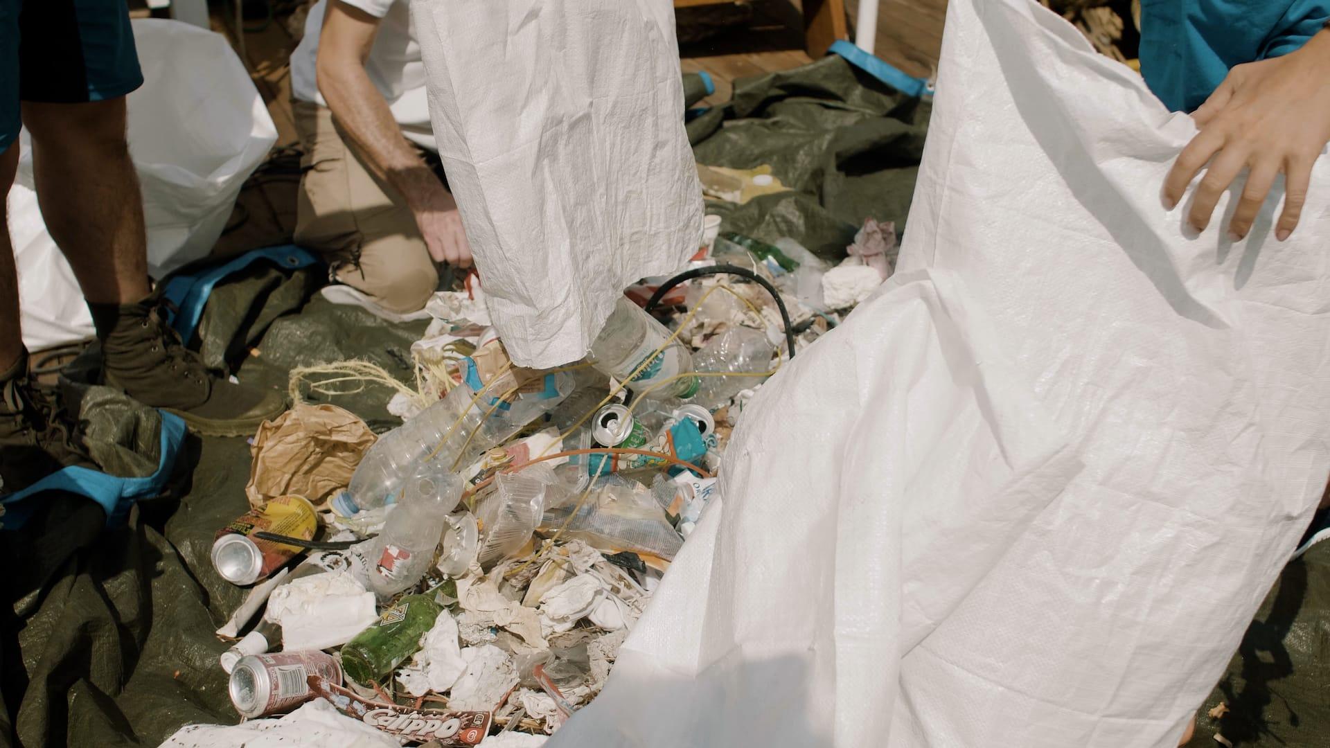 Raccolta rifiuti e plastica